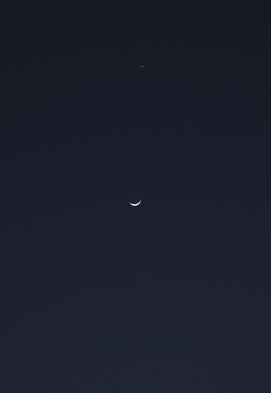 上から、金星、月、木星 2012.3.26 18:36