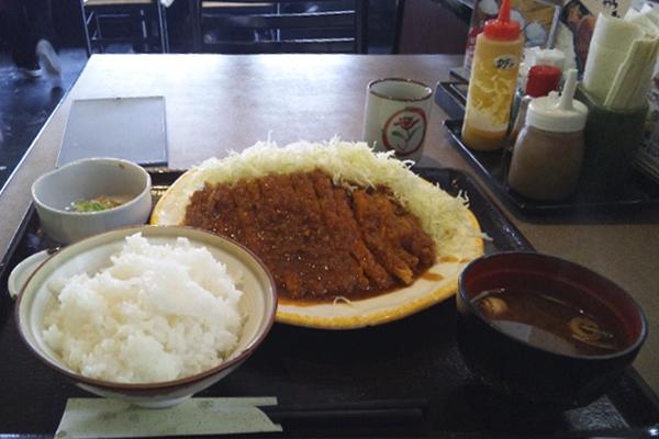 喜楽屋の味噌カツ定食