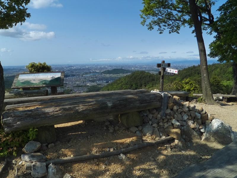 明王山から名古屋方面を見る